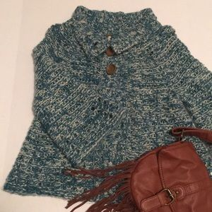 Blue and white, chunky, free people sweater !